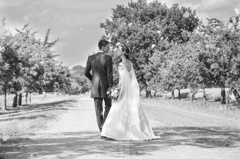Hochzeit Schwarz weiß gemeinsamer Weg