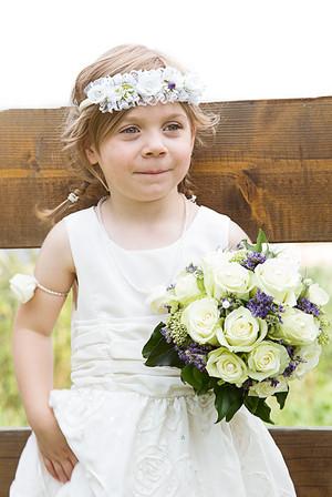 Blumenmädchen mit Brautstrauß
