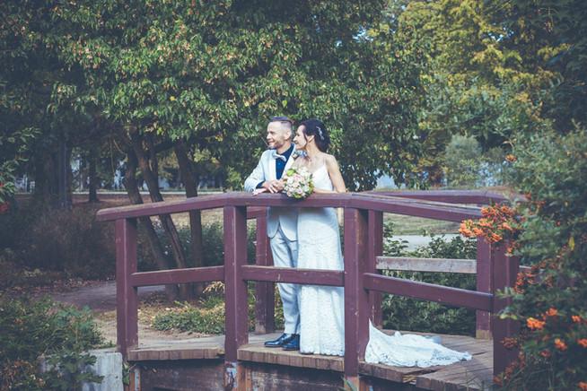 Brautpaar an der Brücke