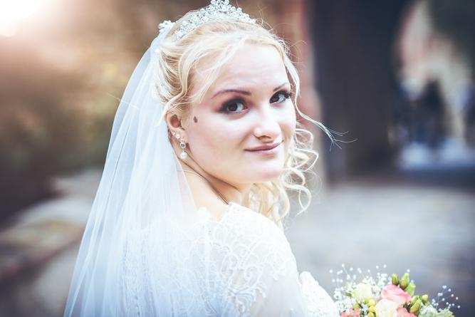 Braut mit Schleier in Kriebstein