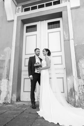 Langes Brautkleid Brautpaarshooting