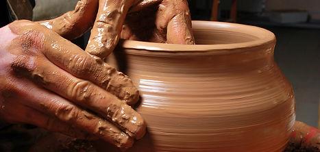 Potters-Wheel-Clay-e1386520119677.jpg