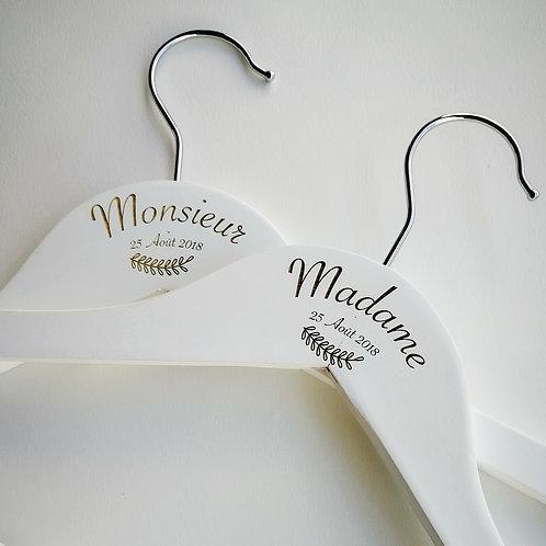 Cintre bois blanc personnalisé mariage
