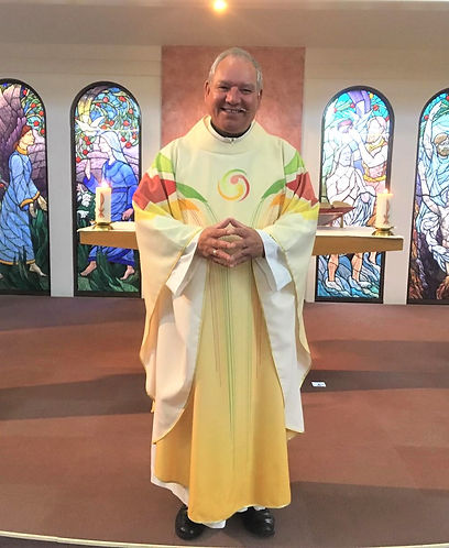 Fr_Chris_papal_vestment.jpg