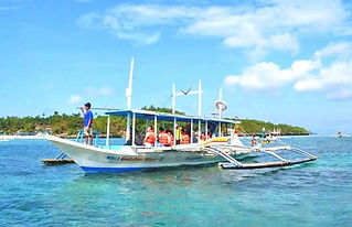 island-hopping-boracay-boat-2-600x387.jpg