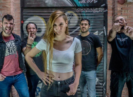 Sara Linares, nueva guitarrista de Por Instinto
