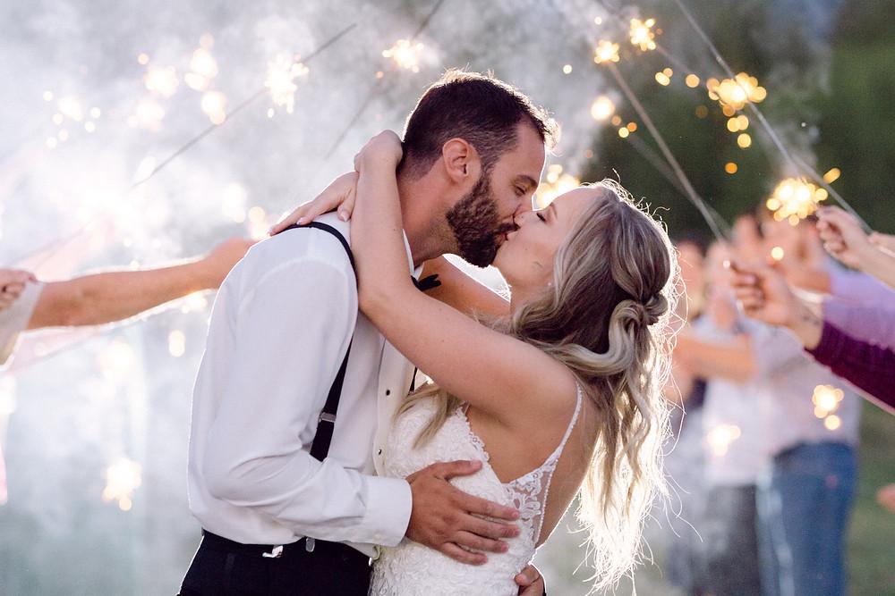 wedding photography tips for brides when doing a sparkler exit