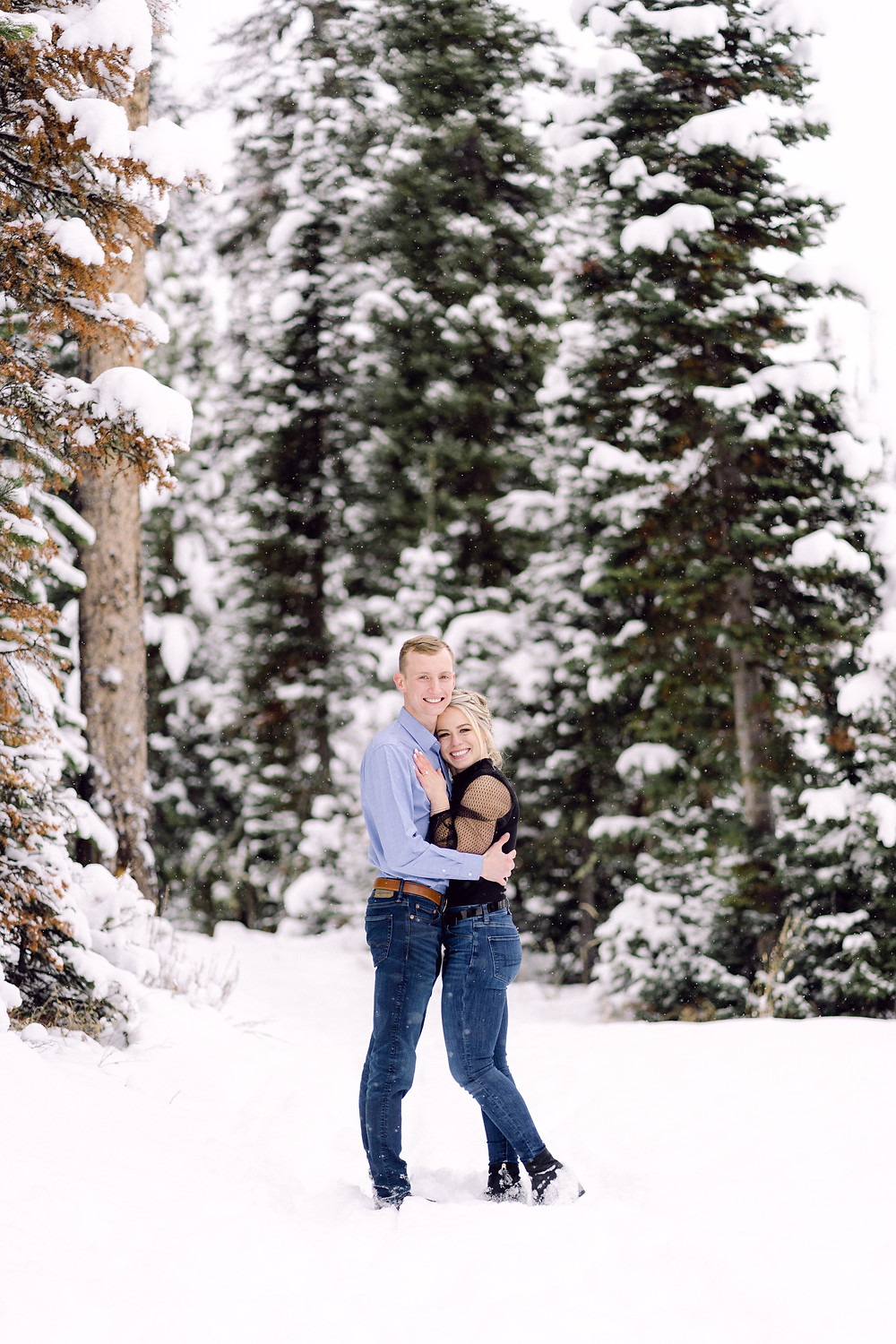 Bozeman winter engagement session at hyalite canyon