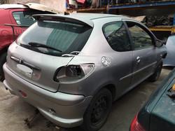 Peugeot 206 en desarmeJPG