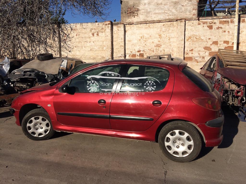 Peugeot 206 en desarme