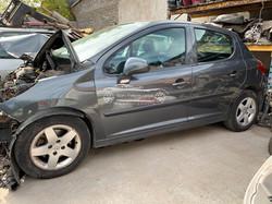 Peugeot 207 en desarme