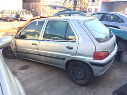 Peugeot 106 en desarme
