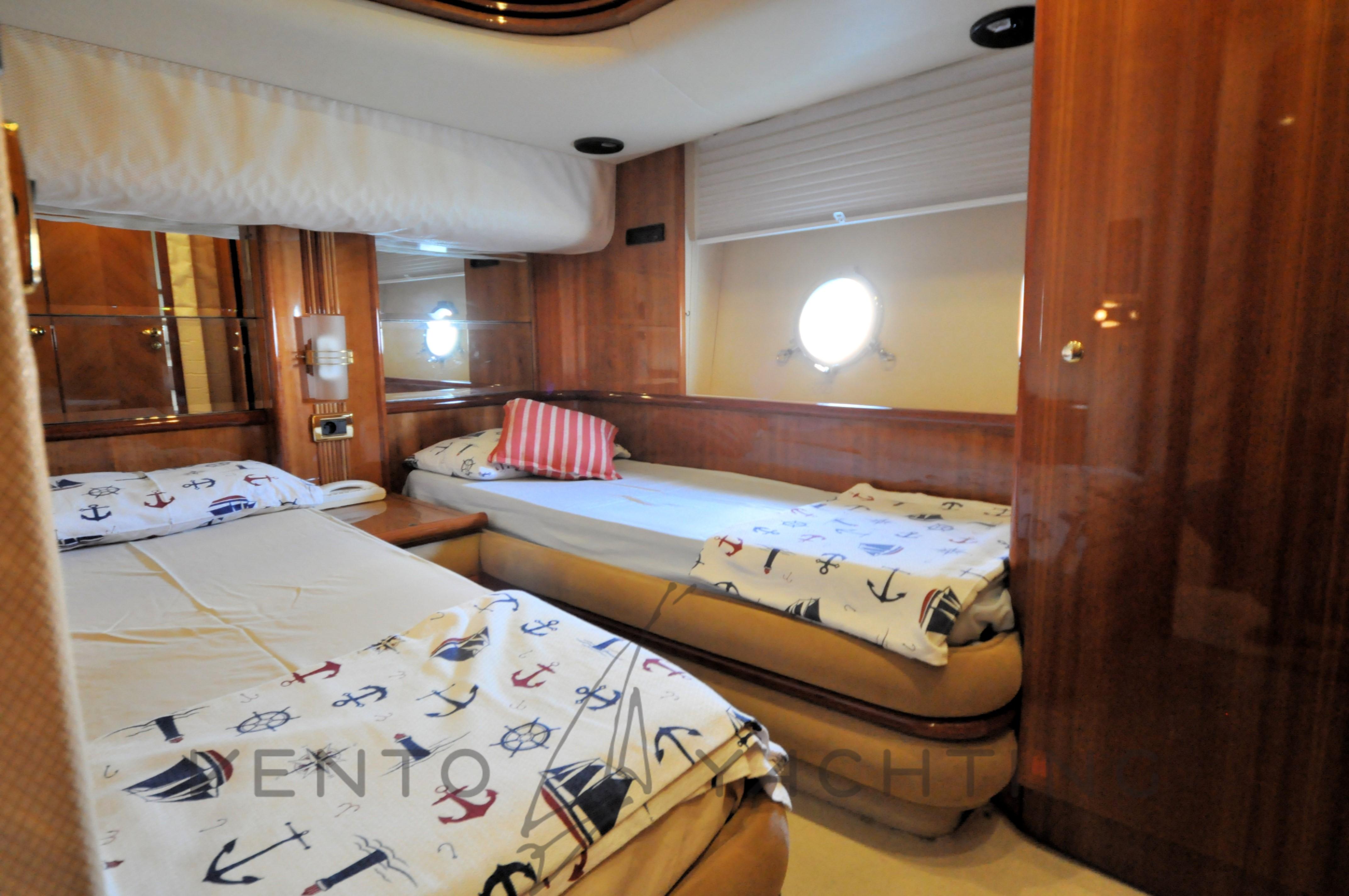 Azimut 68 Plus Guest Cabin