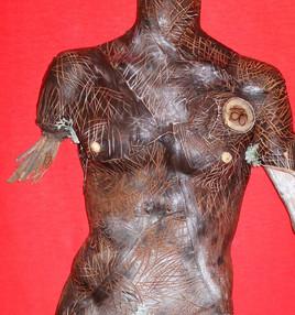 Réalisation en cuir sur base d'un tronc
