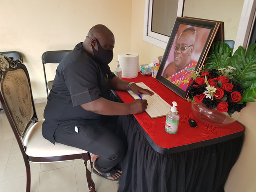 KOKU ANYIDOHO VISITS SIR JOHN'S FAMILY, SIGNS BOOK OF CONDOLENCE
