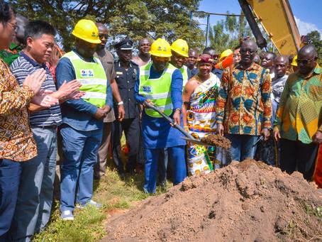 VICE PRESIDENT BAWUMIA - CUTS SOD FOR EASTERN CORRIDOR HOHOE-JASIKAN-DODO PEPESU ROADS CONSTRUCTION