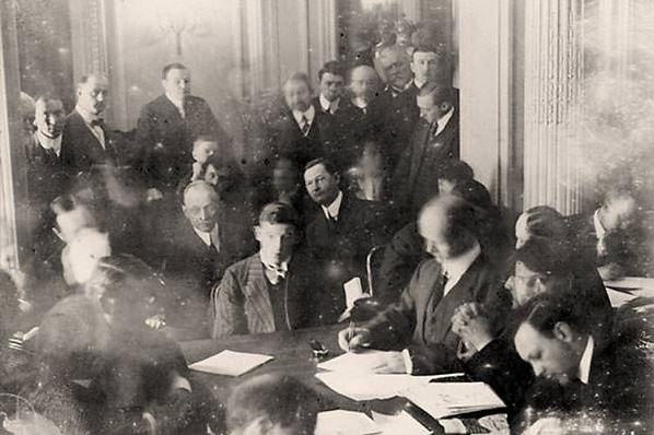 Carpathia, Marconi telegraphist Harold Thomas Cottam