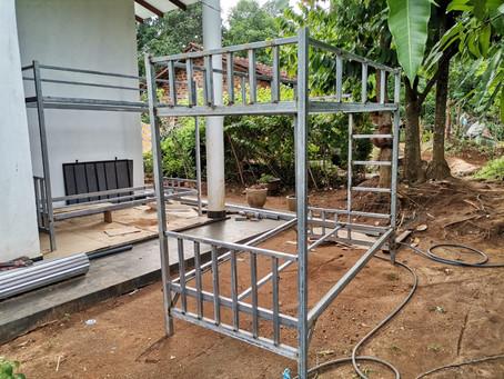Juin 2021: construction des lits