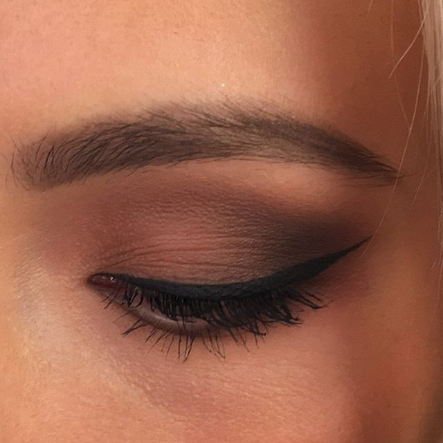 natural toned makeup