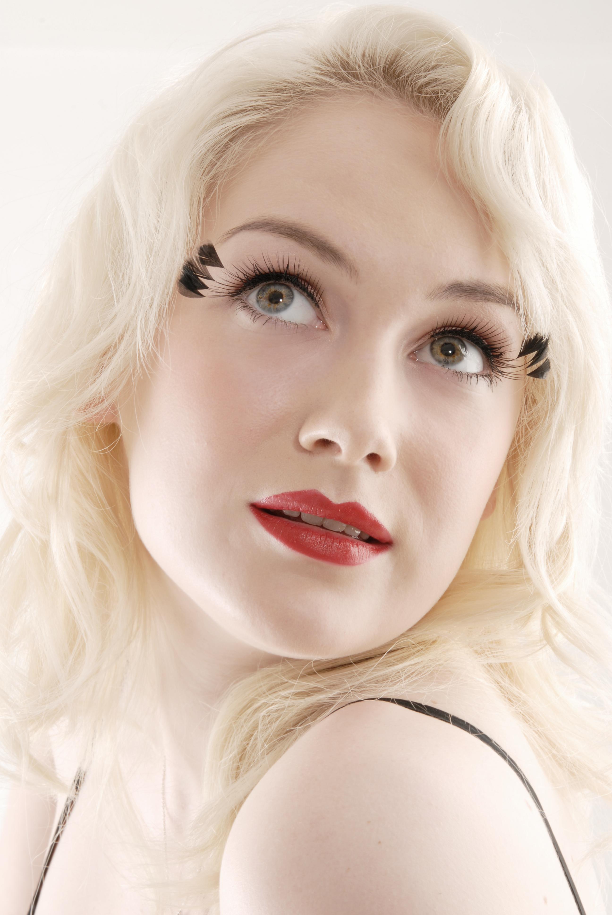 period glam makeup