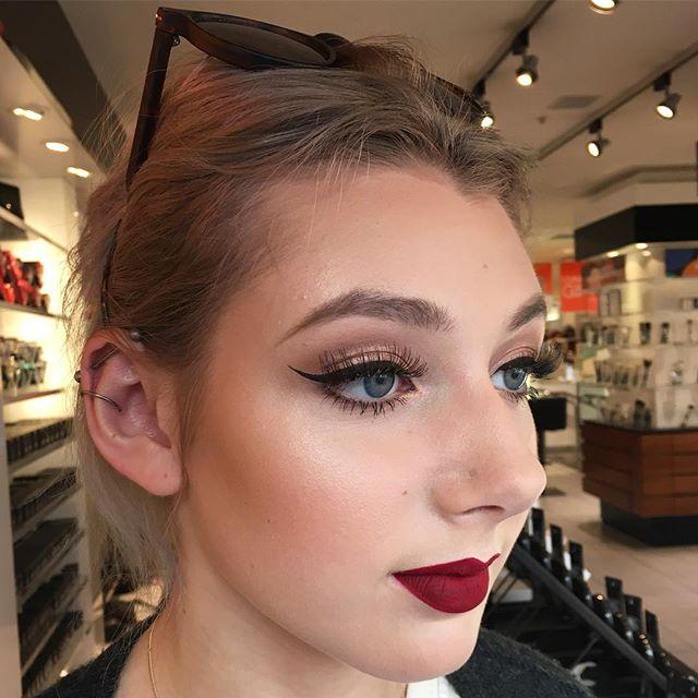 classic glamour makeup