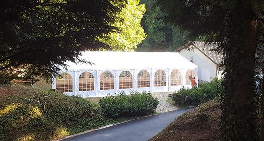 RIKILA EVENTS Paris Location tente rectangulaire 128 m2 blanche pas chere