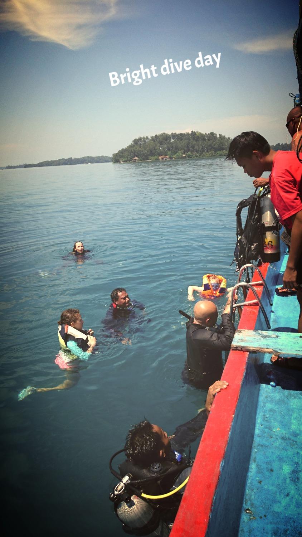 Bright Dive Day