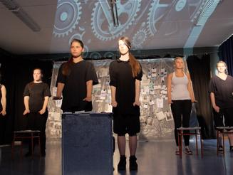 ANSICHTS-KARTEN VON GESTERN NACH MORGEN Premiere September 2015 (spreeagenten Berlin)