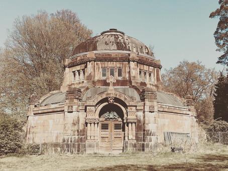 Monumental mausoleums