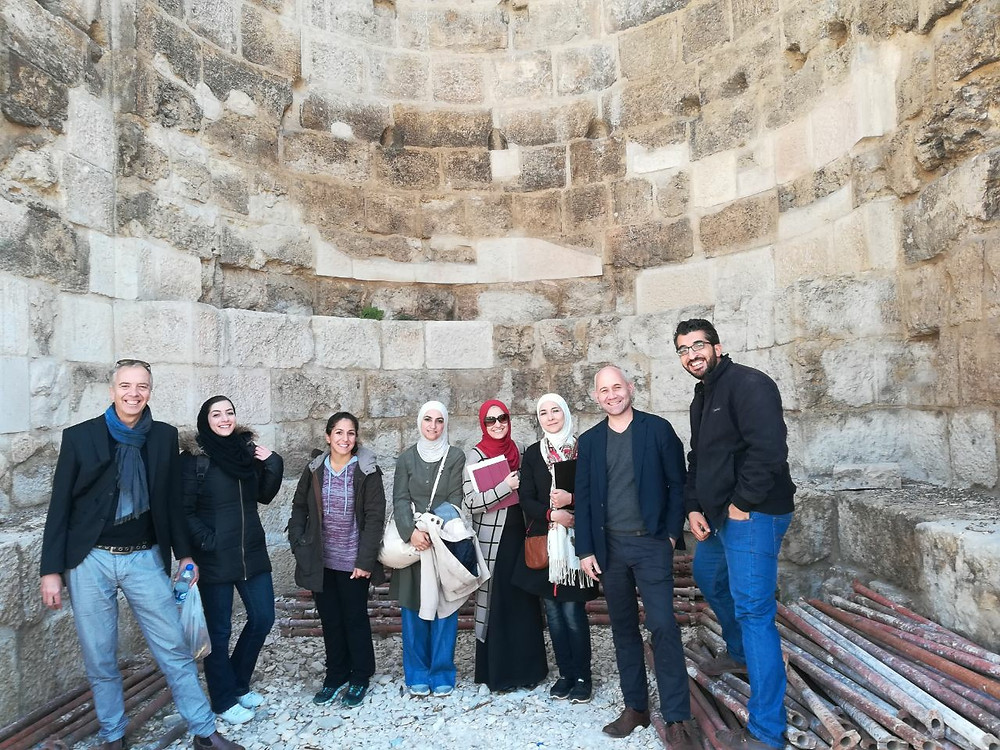 Prof. York Rieffel and Prof, Wanja Wedekind with a student group during an excursion in Amman