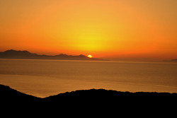 SUNSET WITH VIEW OVER SIPHNOS