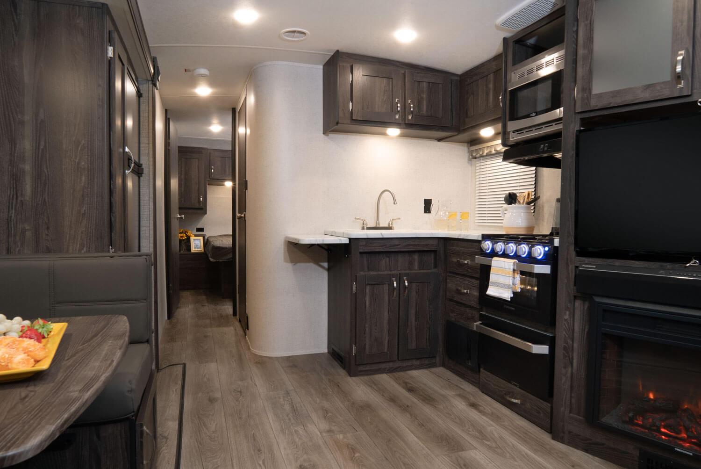 01-2020-Mesa-Ridge-Lite-MR2602RL-Kitchen