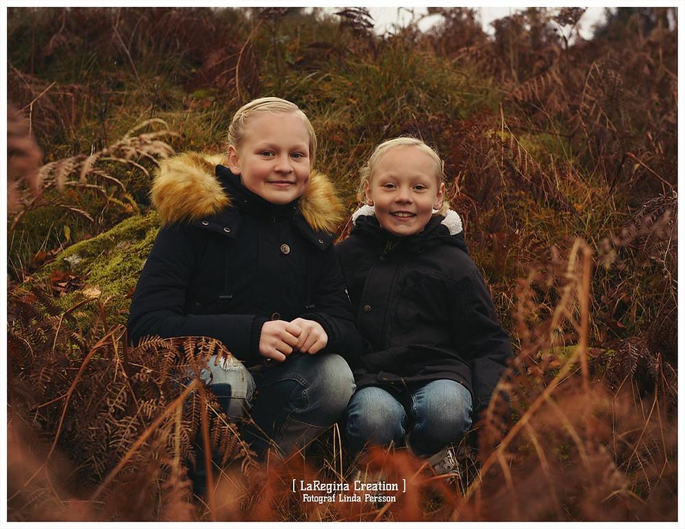 Kerstin och Lisbeth besökte mig för ett par år sedan. Vi hade buskul under en hel timme. Välkommen att boka porträtt i höst!