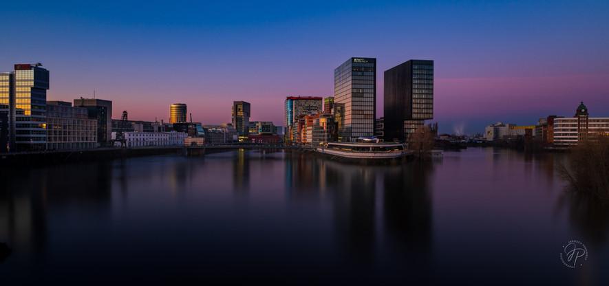 goldene Stunde am Hafen Düsseldorf