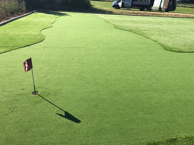 Private putting green and Tee off Coventry