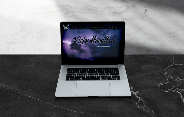 VICKY HAMILTON // Website Design