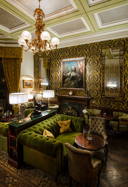 Luxury Lounges