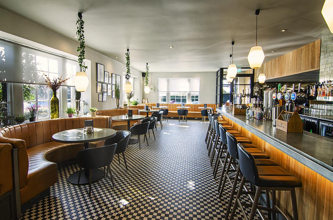 Bar Lounge - Hotel Photography