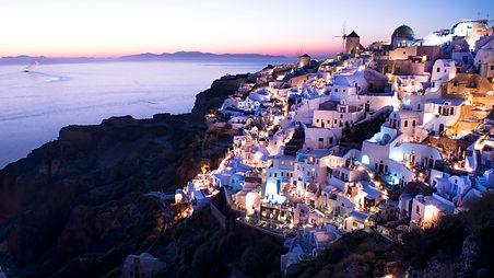 Oia, Santorini Greece - www.leewalkerpho