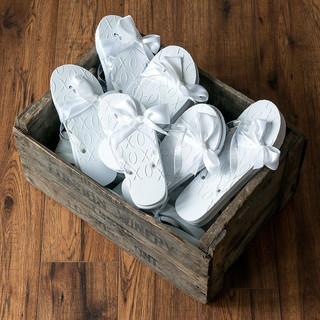 4474-08-i_white-xo-embossed-flip-flops1d