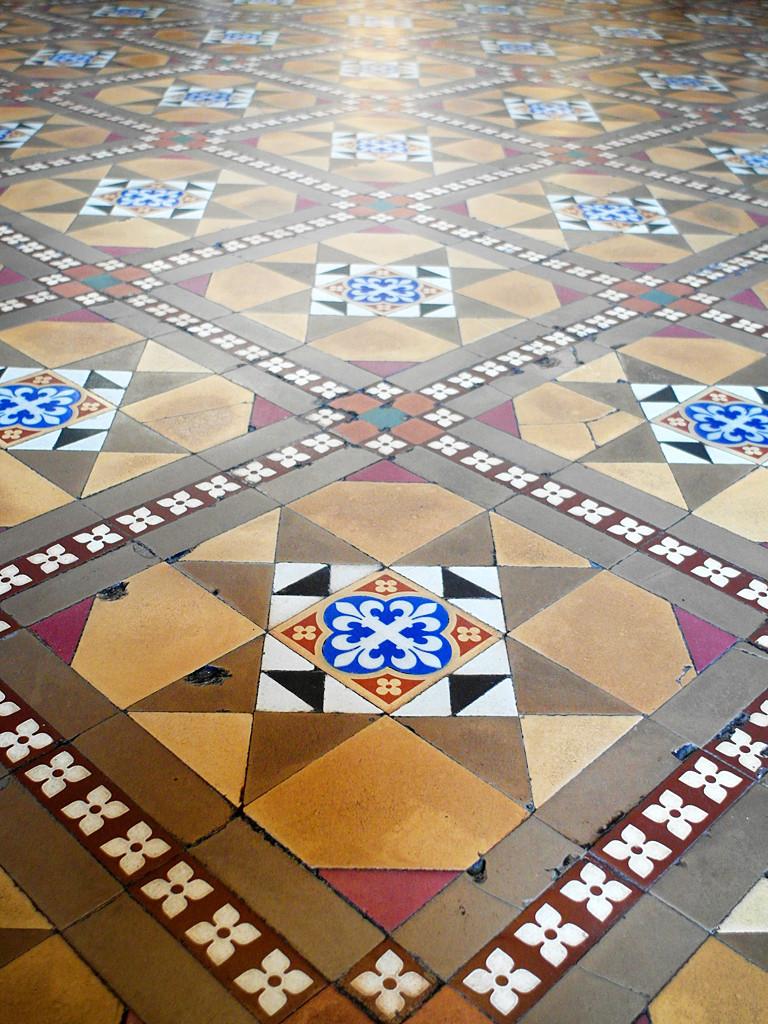 Melaka shophouse, Peranakan tiles