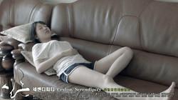 06_한여름에 더워 다솔이 소파에서 낮잠을 자는 씬_01.jpg