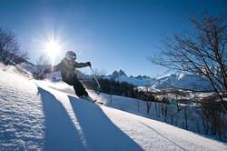 Jeune-skieur-a-Albiez-Montrond_default_format