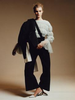 Wearing: Gentleman trousers