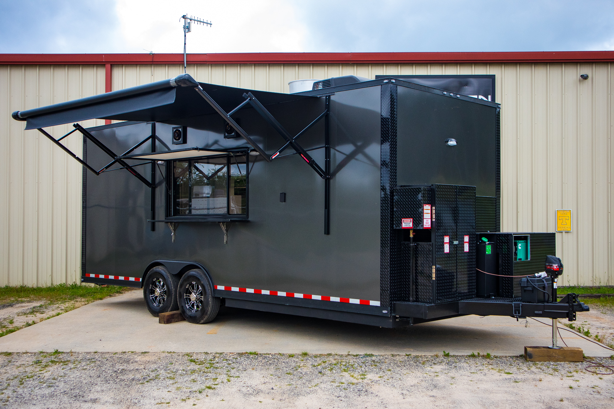 Red Fern Dynamics 22' Mobile Kitchen
