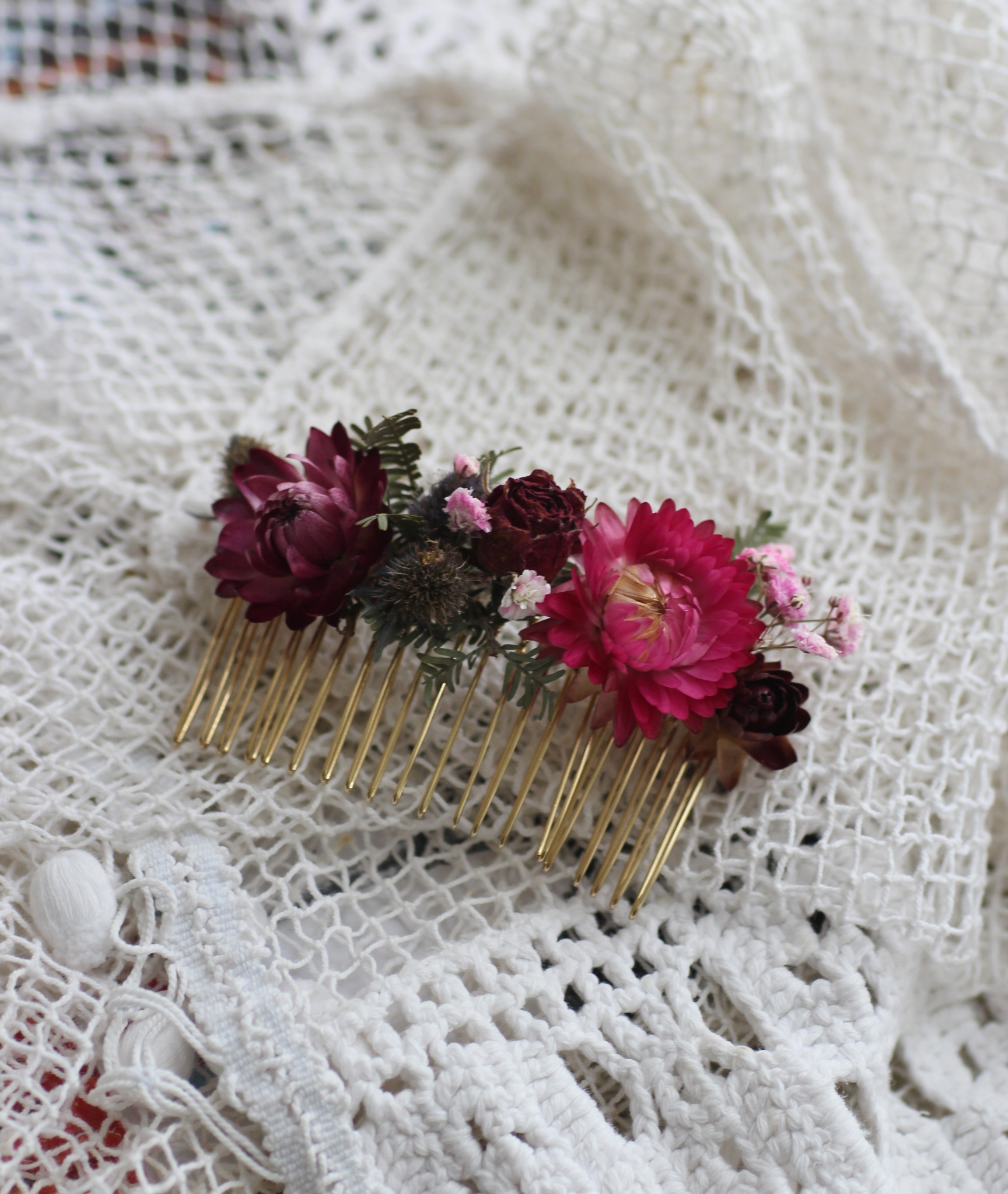 dried flower hair clasp