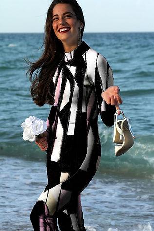 wetsuit_woman.jpg