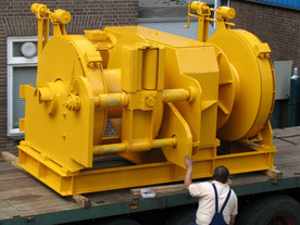electric anchor / spud winch