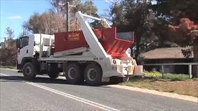 picture of skip bin truck
