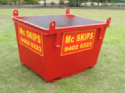 image of a 1.5m³ baby skip bin